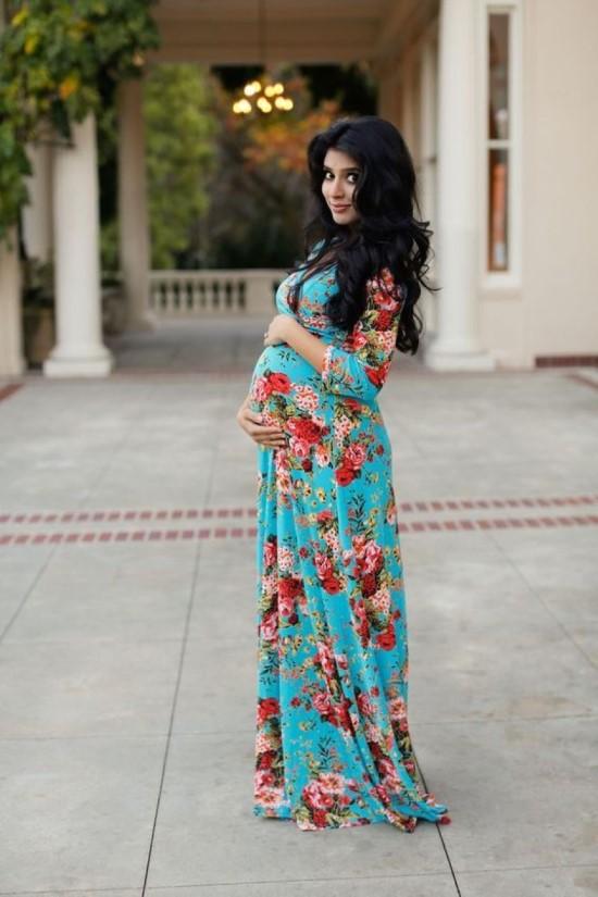 Vestido florido perfeitamente ajustado ao barrigão