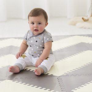 Tapetes devem ser antiderrapantes ou próprios para bebês